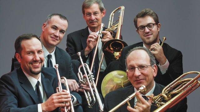 "Philharmonic Bass, Jeff Reynolds, Delights ""Seven Positions"